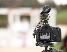 Sử dụng máy ảnh trong quay phim cưới truyền thống